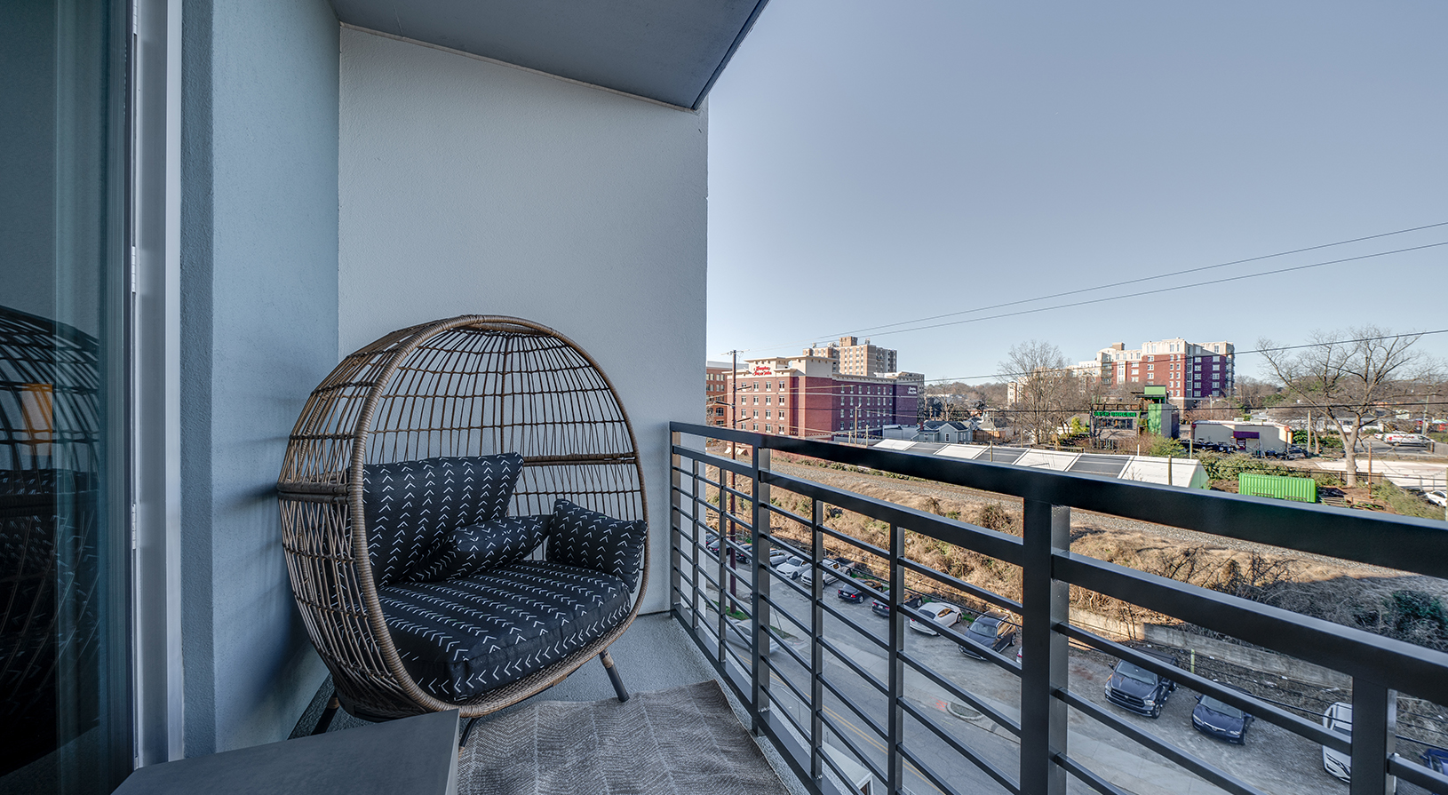 Peace Raleigh Apartments - Balcony